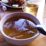 Abendessen während 7 Tagen: Suppe und Tee