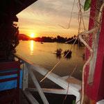 Sonnenuntergang vom Bungalow in Don Khone