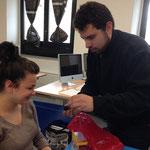 Luca Martinelli spiega cosa fanno nel laboratorio della sua scuola, l'Istituto Marconi