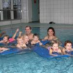 Sichtlich Spaß hatten die Mädchen und Buben beim inklusiven Schwimmkurs des TV Haßfurt im Förderzentrum der Lebenshilfe in Sylbach.