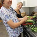 Anna-Franziska Kerzinger engagiert sich gerne ehrenamtlich im Mehrgenerationenhaus. Besonders gern arbeitet sie mit Kindern und behinderten Menschen.