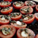 Tomaten für die Antipasti