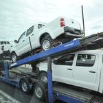 トヨタのハイラックスの積載車が