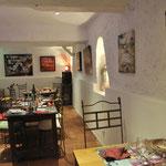 カルカッソンヌ城壁付近のレストランで昼食