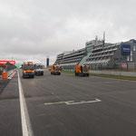 Unsere Dulevo Kehrmaschinen können auch Rennstrecke (Nürburgring)