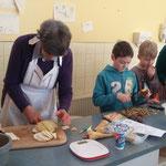 Kochen mit kindern der Grundschule
