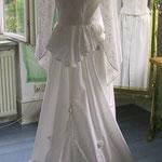Hochzeitskleid aus bestickter Baumwolle