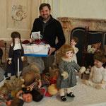 Übernahme von Reparaturen durch die Puppenklinik Manfred Reichel im Rahmen der Sammlerbörse Laxenburg