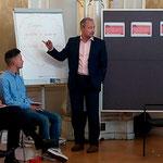 """MEP Andreas Schieder mit dem Wirtschaftswissenschaftler Stephan Schulmeister bei der SP-Europakonferenz """"Europa auf in die neue Zeit"""""""