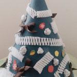 色画用紙でクリスマスツリー
