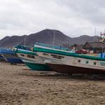 und Fischerboote ohne Ende
