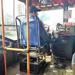 der Busfahrer hat einen ganz besonders tollen Sitz