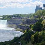 die kanadische Seite der Falls ist wohl die schönere!
