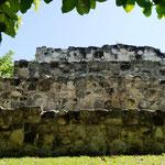 Reste einer kleinen Pyramide von San Miguelito