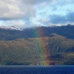 unglaublicher Regenbogen aus dem NICHTS