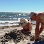 Burgen bauen am Strand von Sellin
