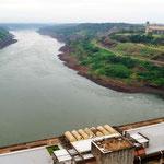 und hier fliesst der Rio Paraná friedlich weiter