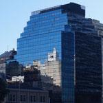 die Spiegelungen in den Gebäuden sind grossartig
