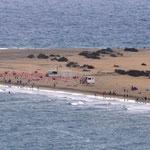 Der FKK-Strand  - fotografiert von der Hoteldachterasse