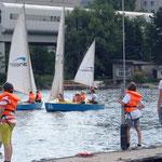 und weiter geht es zur Donau, wo es für Kids eine Seegelschule gibt