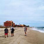 erster Strandspaziergang bis zum Ort