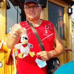 Jürgen findet seinen Talismann für Peppo (Wohnmobil)