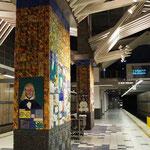 eine Metrostation - sehr sauber - sehr hübsch!