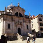 viele Kirchen und historische Gebäude in der Altstadt