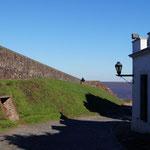 die Stadtmauer von der anderen Seite ...