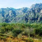 die unterschiedlichsten Landschaften unterwegs - hier mal wieder Berge