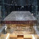 Grab vom bekanntesten Herrscher Pecal - Deckel wiegt 4 Tonnen