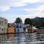 Hausboot-Siedlung ..