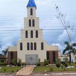 hübsche Kirche in kleinem Nest