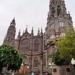 neugotische Kirche - von Antonio Gaudi kurz nach der Jahrhundertwende mit erbaut