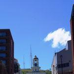 Der Glockenturm bei tollem Wetter