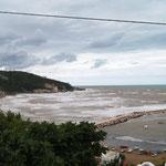 Camping - direkt am Meer - leider zu stürmisch zum Baden!