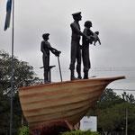 im Ort: Denkmal für die Europäischen Einwanderer