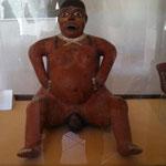 eine Gebärende / Plastik aus der Nazca-Kultur