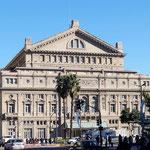 wunderschöne historische Gebäude überall