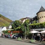 ... das gleich gegenüber von Ellenz Poltersdorf liegt und mit der Fähre erreicht werden kann