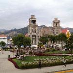der Plaza de Armas - immer der hübscheste Platz in jedem Ort