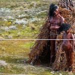 auf einer kleinen Insel - sollen die Ureinwohner darstellen