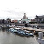 """weiter geht es über die historische """"Augustusbrücke"""""""
