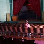 nicht viel Besucher im Theater