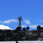 Der Panecillo mit der Virgen