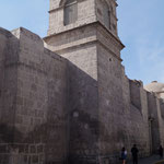 die Klostermauern von aussen