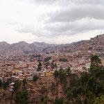 Blick auf Cusco (der Campingplatz ist hoch oben)
