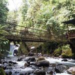 """der erste, recht kleine Wasserfall """"Cascara Nambillo"""""""