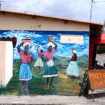 ein paar hübsche Wandmalereien haben wir in Salinas gefunden