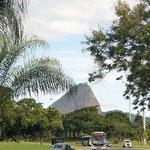 der erste Blick auf den Zuckerhut bei Einfahrt in Rio